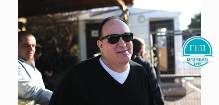 רון ירון עורך ידיעות אחרונות  מגיע למשרדי להב 433  חקירה